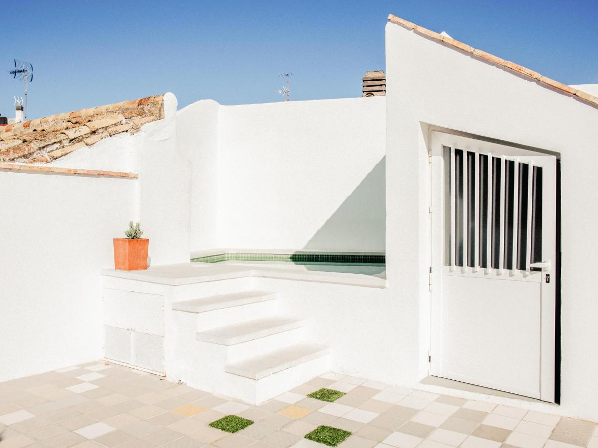Option Be's rooftop continues the property's minimal style