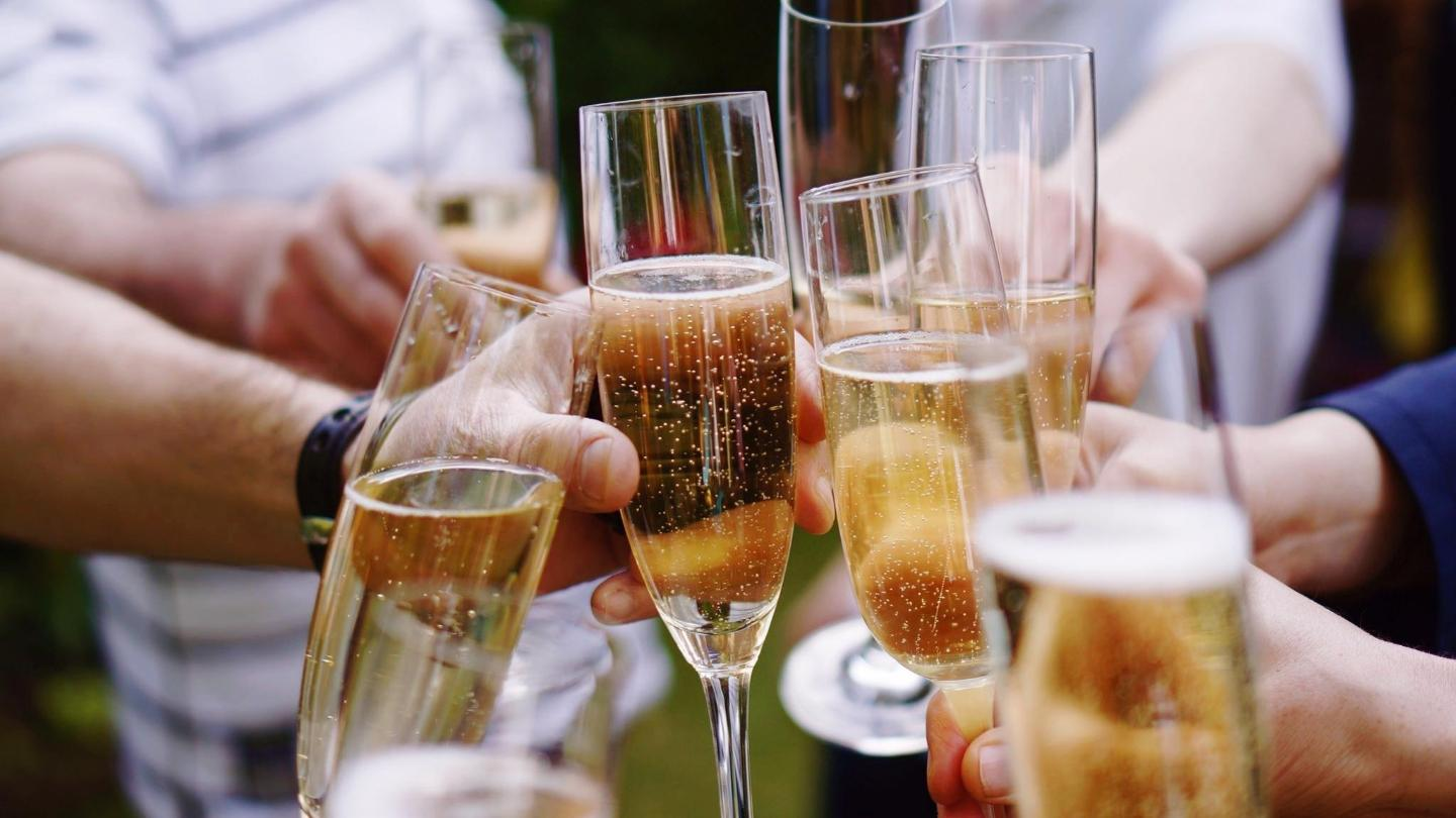 Try a fruity, sparkling wine in Tasmania