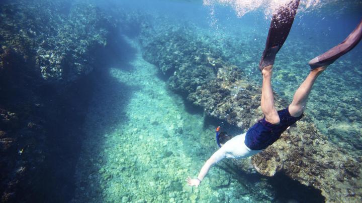 Encuentra el mejor lugar para el snorkel en Amed