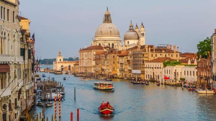 Find the best romance in Venice