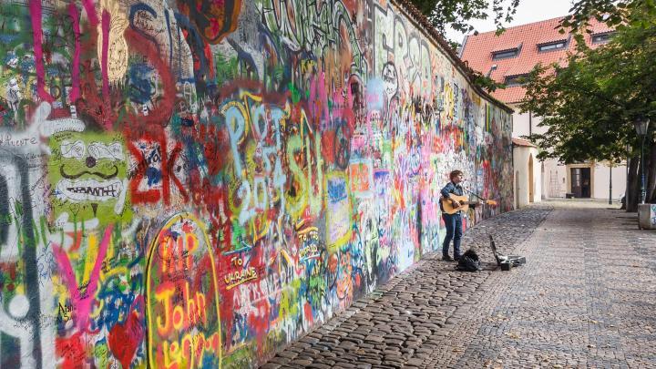 Encuentra el mejor lugar para el arte callejero en Praga