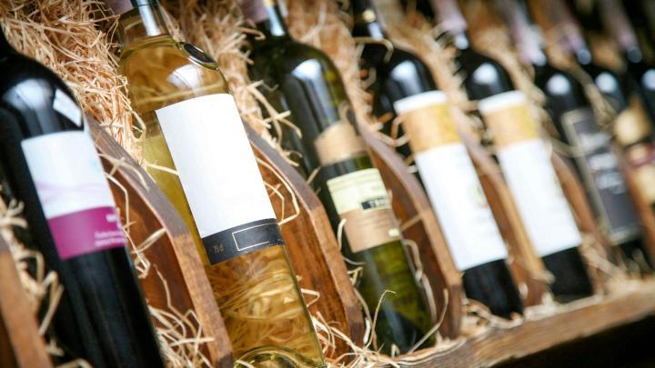 Encuentra el mejor lugar para comprar vino en Oporto