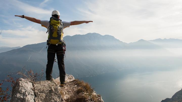 Encuentra el mejor lugar para la escalada en Arco
