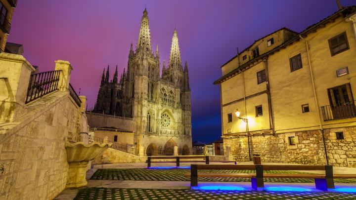 Encuentra el mejor lugar para las catedrales en Burgos