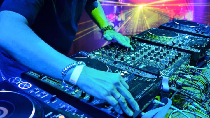 Encuentra el mejor lugar para las discotecas en Playa d'en Bossa