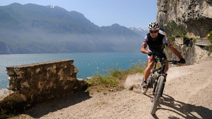 Encuentra el mejor lugar para el ciclismo de montaña en Nago-Torbole