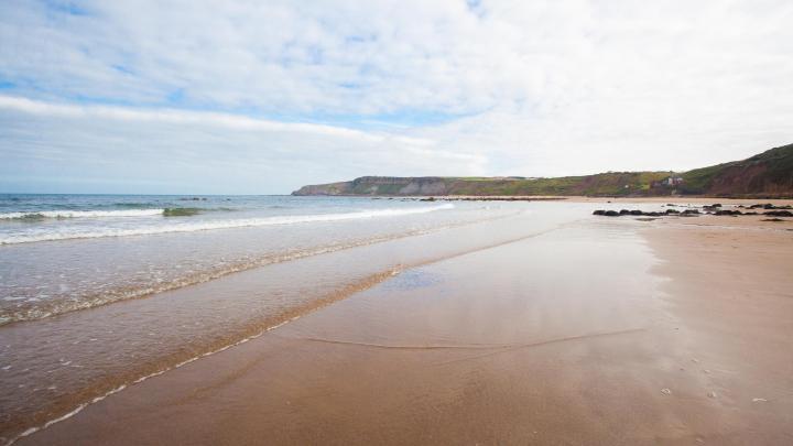 Encuentra el mejor lugar para pasear por la costa en Scarborough