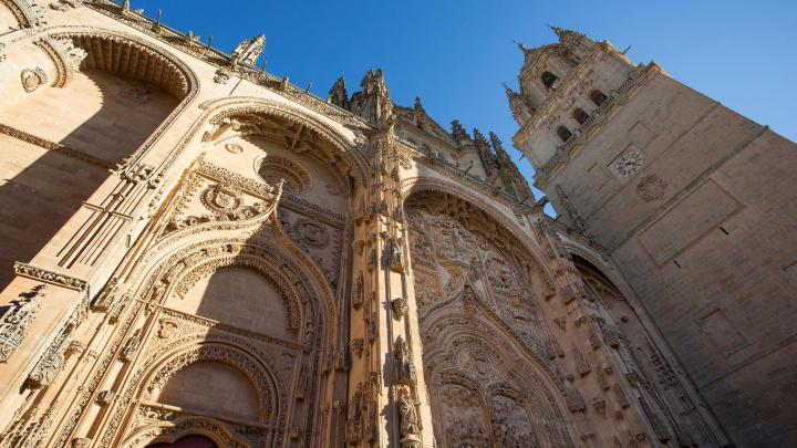 Encuentra el mejor lugar para los monumentos en Salamanca