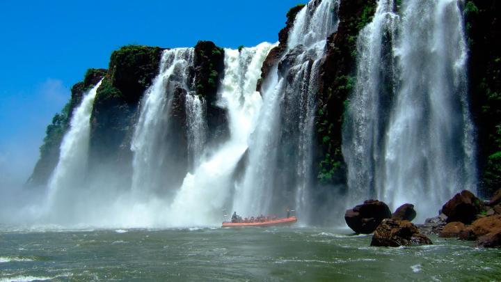 Encuentra el mejor lugar para las cascadas en Foz de Iguazú