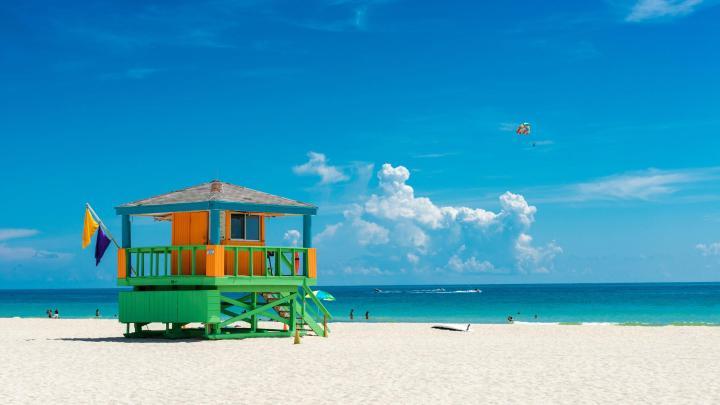Encuentra el mejor lugar para el clima caluroso en Miami Beach