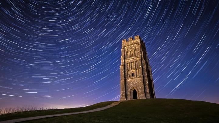 Encuentra el mejor lugar para la mitología en Glastonbury
