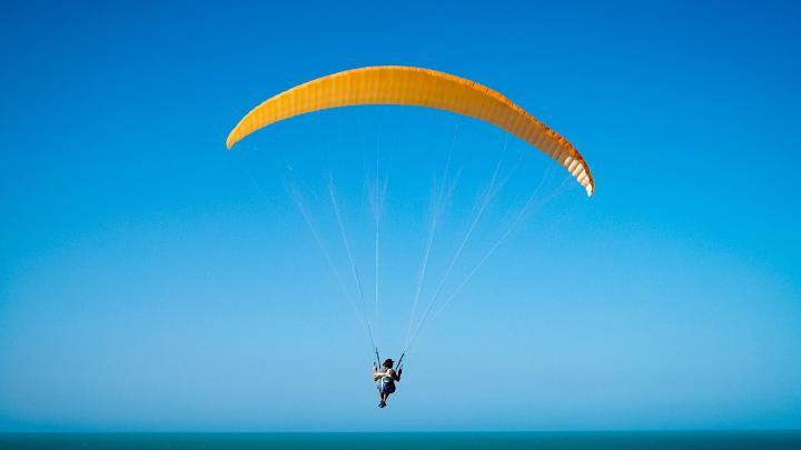 Encuentra el mejor lugar para el parapente en Canoa Quebrada