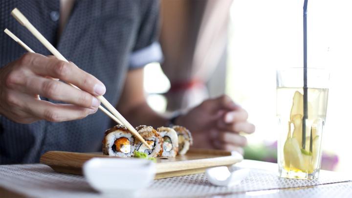 Encuentra el mejor lugar para el sushi en Osaka