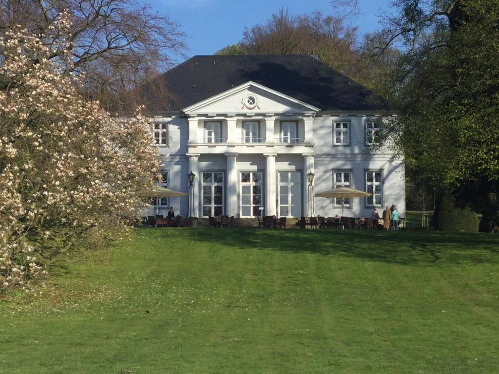 Landgrafentherme Bad Nenndorf die villa bad nenndorf germany booking com