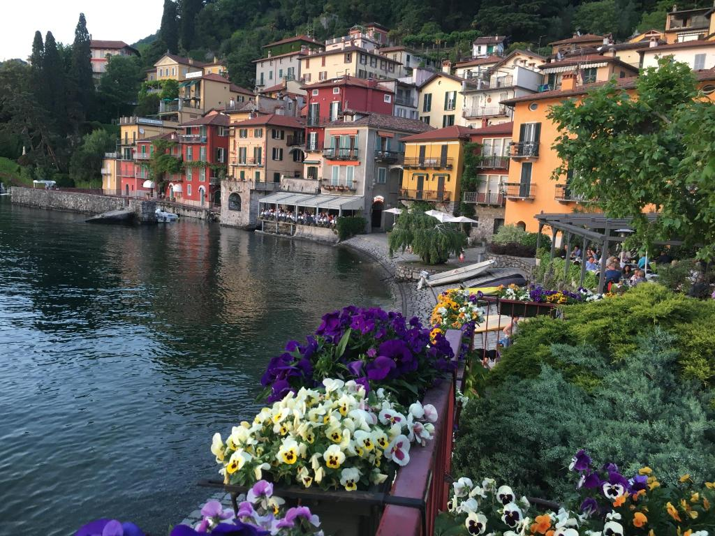 Hotel royal victoria varenna italy for Hotel royal