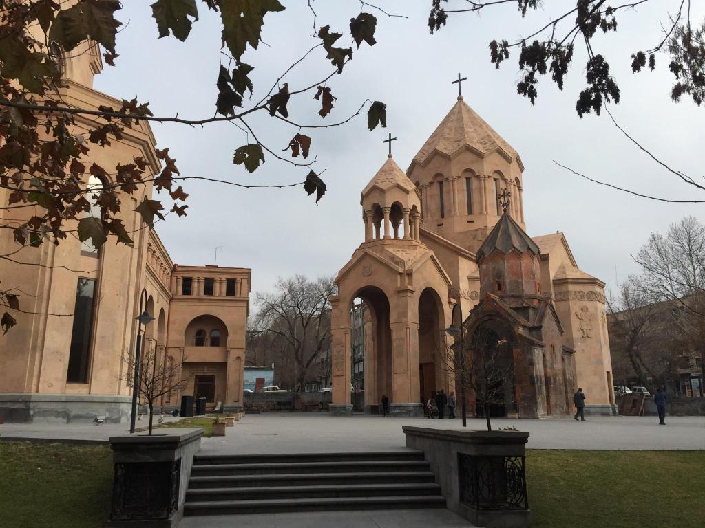 risalente Yerevan dating esperienza donna Leo