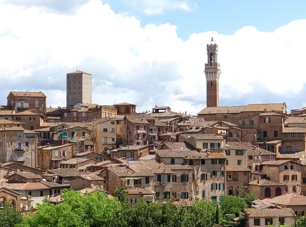 Bed and breakfast castello delle 4 torra siena italy for Accomodation siena