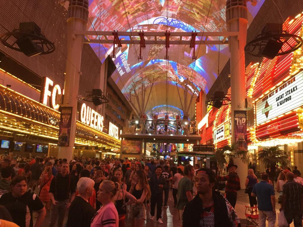 3730 las vegas - Traveler Photo Of Las Vegas By Liam