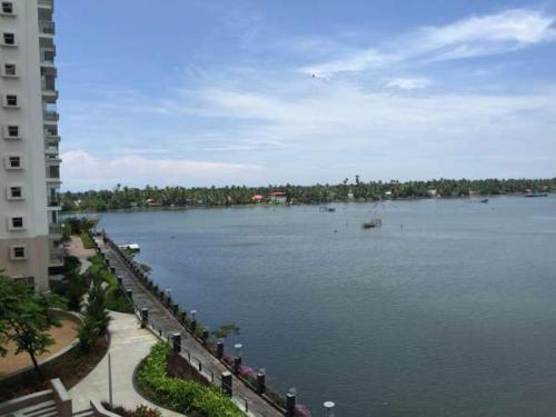 COCHIN SHIMMERING WATERS