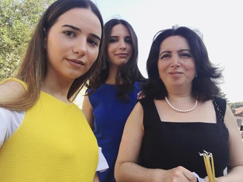 КаÑ€ина с дочками