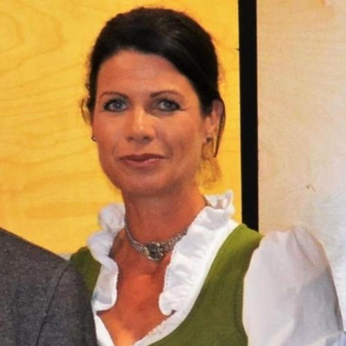 Gastgeberin Maria v. Oberlehengut