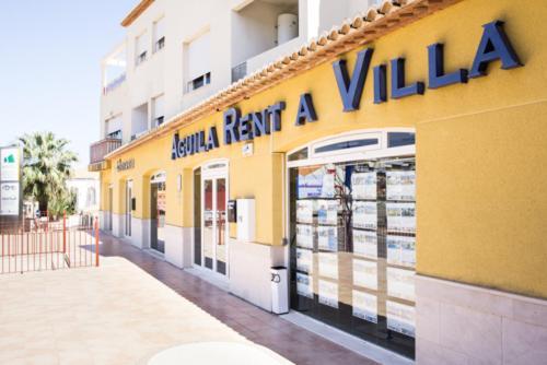 Aguila Rent a Villa