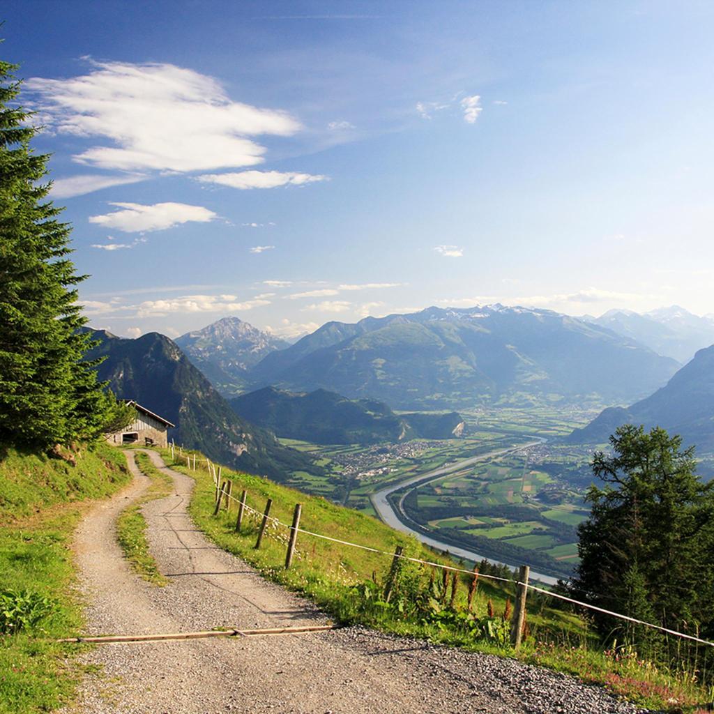 El pequeño país de Liechtenstein tiene más de 400 km de rutas de senderismo.