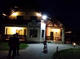 Craii Neamtului, Almaş
