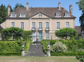 Chateau de Villette, Poil