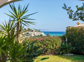 Bright villa with salt water pool, El Campello