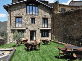 Casa Rural La Comella, Tirvia