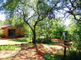Meerkatplaats Guesthouse and B&B, Muldersdrift