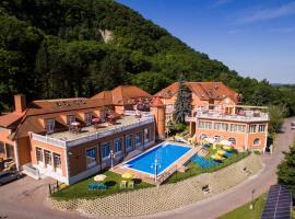 Hotel Bellevue Esztergom, Esztergom