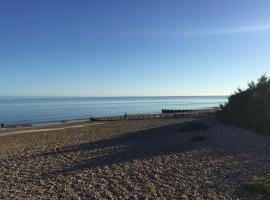 Holiday home near Rustington beach, Литлхемптон