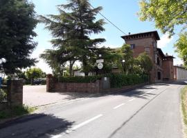 Il Castello Hotel e Ristorante, Imola