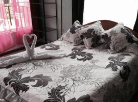 Sloth Backpackers Bed & Breakfast, Monteverde