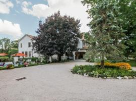 The Villa Bed and Breakfast, Westerly