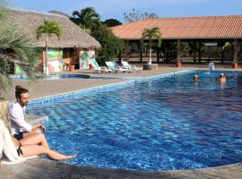 Panama Exclusive Couples Club, Pajonal