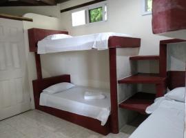 Zapote Tree Inn, Floresas