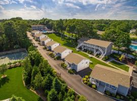 Colonial Shores Resort, Hampton Bays