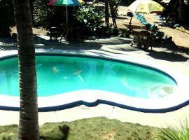 Hostal Casa Garrobo, Acajutla