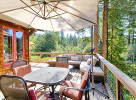 Wine and Dine Under Sonoma Redwoods Home, Guerneville