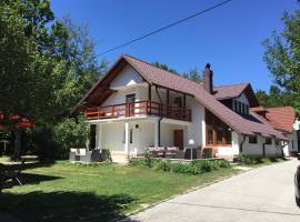 House Samardzic, Jezerce