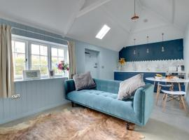 Bumble Bee Cottage, Littlebourne