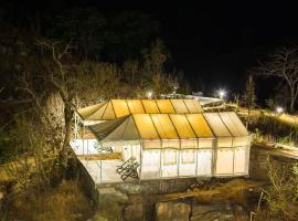 Hoppers Leeway Jungle Camp, Kelwāra