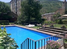 Hotel Pey, Sort
