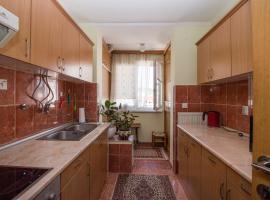 La casa de Gina, Tuzla
