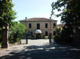 Hotel Villa Regina, Φεράρα