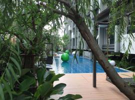 Esta-Bliss Condominium by Pensri, Bangkok