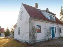 Four-Bedroom Holiday Home in Larbro, Lärbro